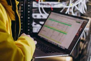 Jasa-Instalasi-Kabel-Jaringan-LAN-dan-Fiber-Optic-Profesional-Mabruka-300x200-12.jpg